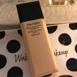 Shiseido Sheer And Perfect Foundation, SPF 18